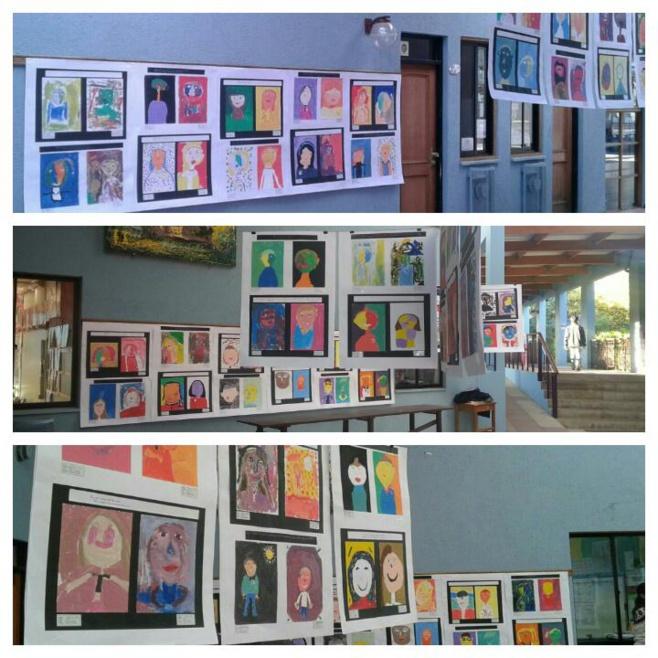 """Première Exposition du Parcours Artistique au Primaire: """"Portraits et Autoportraits de CE2""""."""