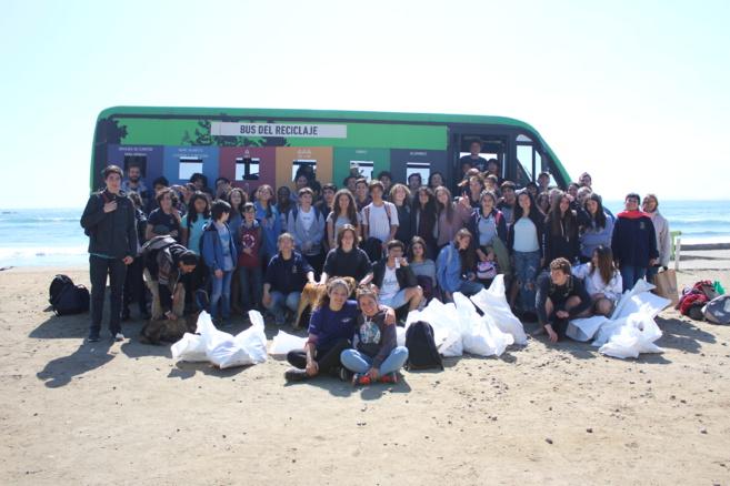 Recordando la Limpieza de playa de los 1ros medios con Plastic Oceans