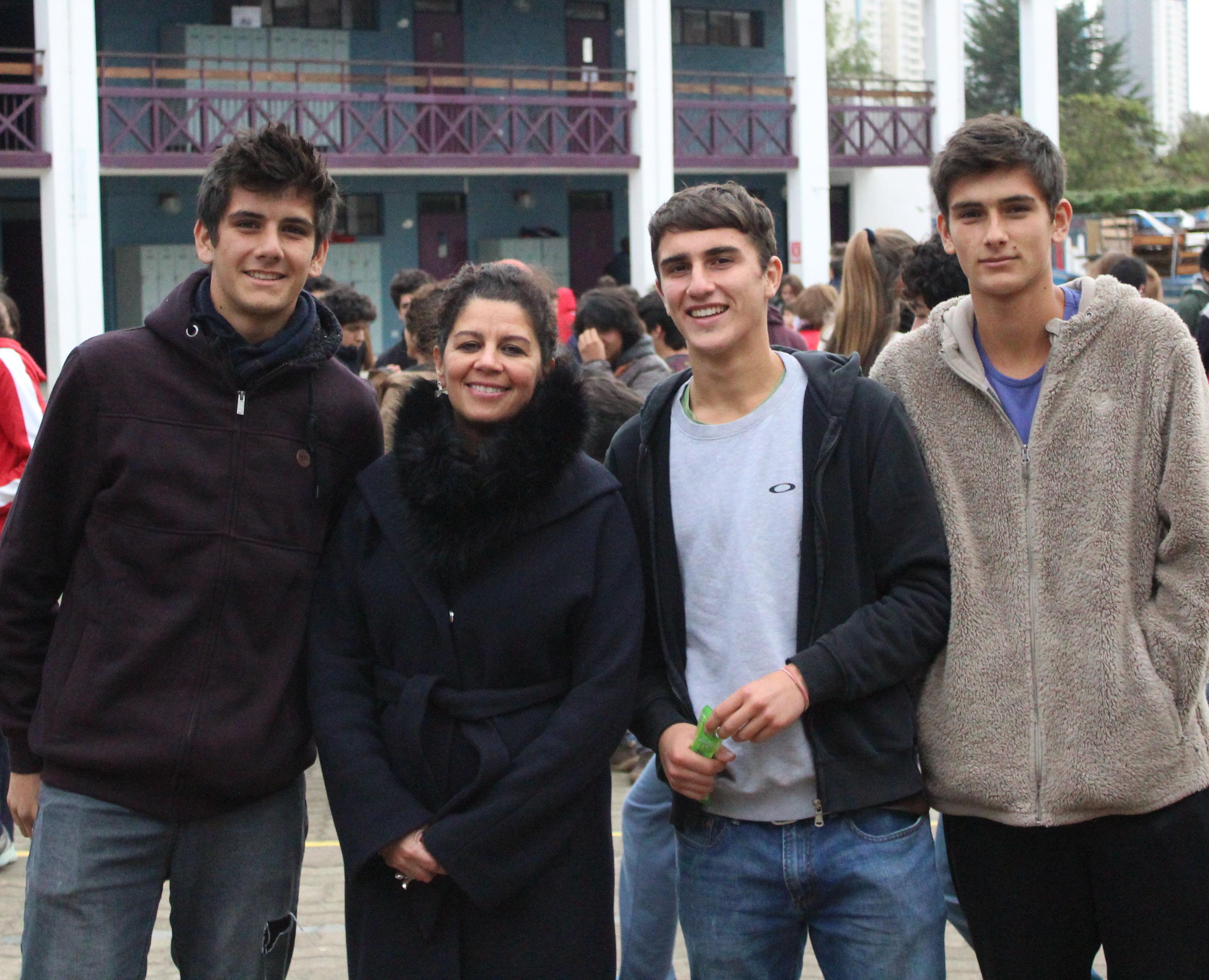 Diego Aranda, Sra. Francisca González, Vicerrectora, Diego Jiliberto y Esteban Aranda