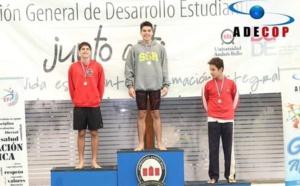 Vasco Vásquez Ramírez, en troisième position lors des championnats Adecop et Jeux scolaires