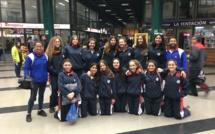 Equipo de voleibol femenino en ruta para la liga amas Voley en Salamanca