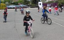 Le parking transformé en aire de jeux pour le printemps des roues!