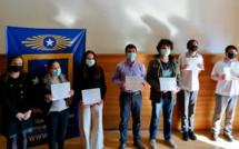 Le Campus Santiago a récompensé les gagnants du premier concours d'écriture jeunesse sur le football / El Campus Santiago premió a los ganadores del primer concurso de historia escolar de fútbol